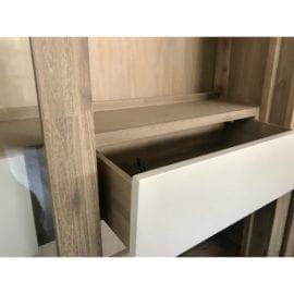 Kredens drewniany nowoczesny
